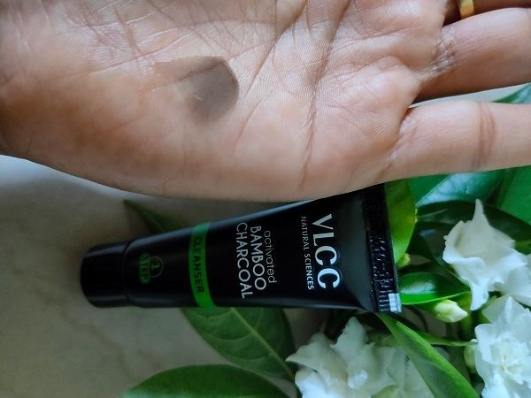 VLCC Activated Bamboo Charcoal Facial Kit